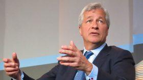 """CEO do JP Morgan reflete sobre os efeitos do Covid-19 na economia e prevê """"péssima recessão"""""""